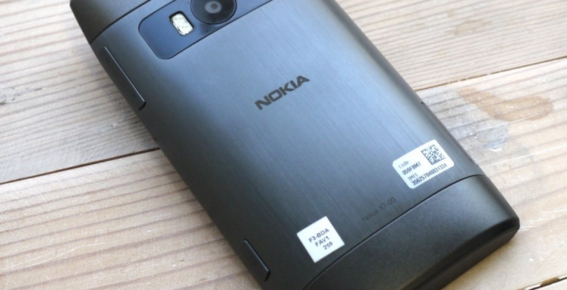 nokia_x7_hands-on_1