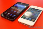 white_iphone_4_vs_galaxy_s_ii_sg_2