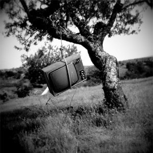 Less TVs in the US, is it the Economy or the Internet?