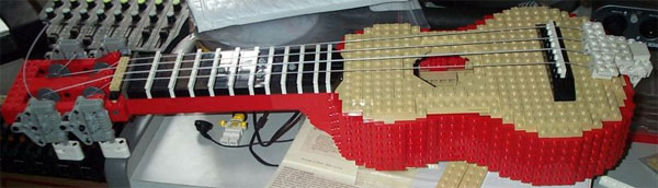 LEGO ukulele can actually be tuned and played