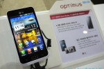 lg_optimus_big_hands-on_sg_0