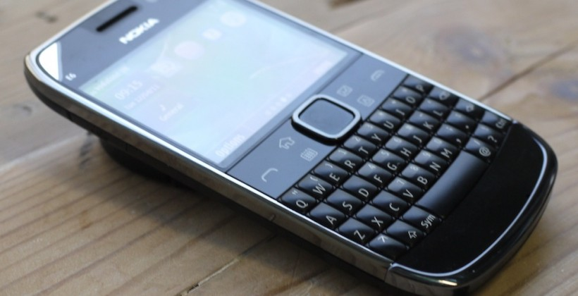 Nokia slashes Q2 outlook as Symbian woes continue; Hopes WP7.1 will save all in Q4