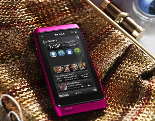 Nokia think pink with new N8