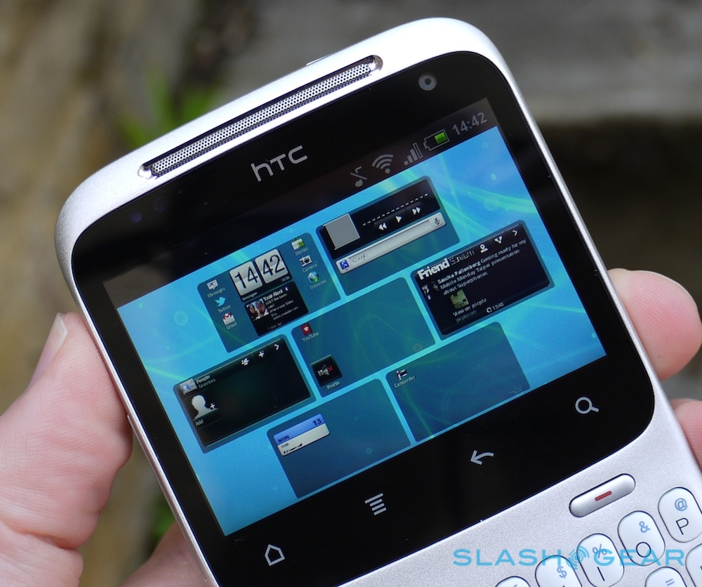HTC ChaCha Review - SlashGear