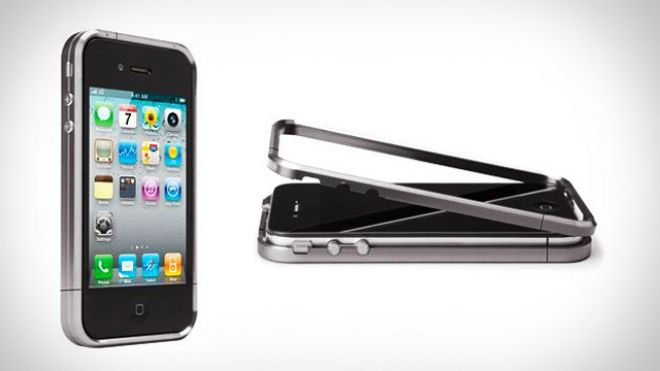 iphone 4 titanium case costs as much as the phone itself slashgear. Black Bedroom Furniture Sets. Home Design Ideas