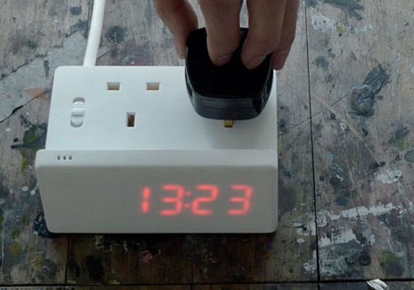 Alternative Alarm clock can wake you with whatever you plug into it
