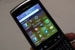 blackberry_torch_9810_hands-on_sg_1