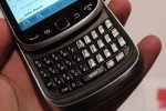 blackberry_torch_9810_hands-on_sg_11