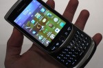 blackberry_torch_9810_hands-on_sg_13