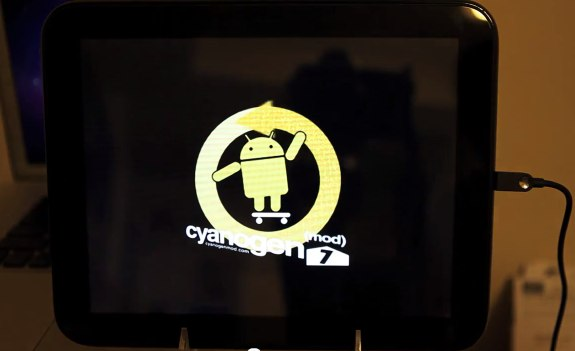 HP TouchPad gets CyanogenMod Android first boot [Video]