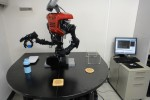 Learning robot can guesstimate & glean [Video]