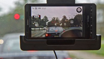 SignalGuru helps shave fuel costs for drivers using a smartphone