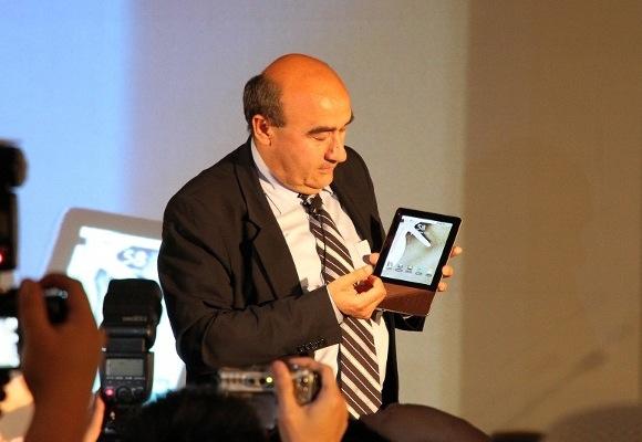 Lenovo grabs ex-Acer CEO for consumer brand push