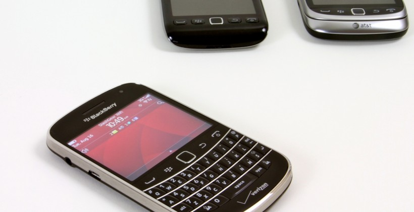 BlackBerry outage hits third day while iMessage threat circles