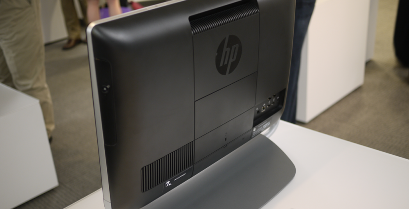 HP TouchSmart Elite 7320 All-in-One PC hands-on with HP's Randall Martin [Video]