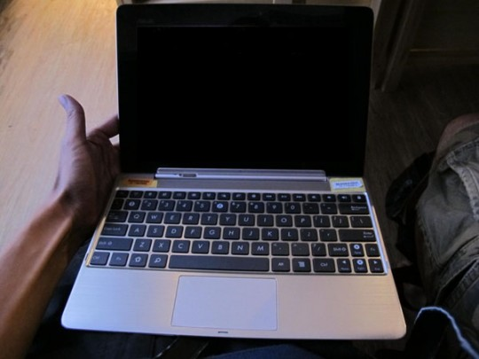 Asus Transformer Prime tablet snapped with new keyboard dock in tow