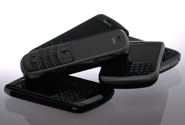 BlackBerry outage may cost RIM over $100 million