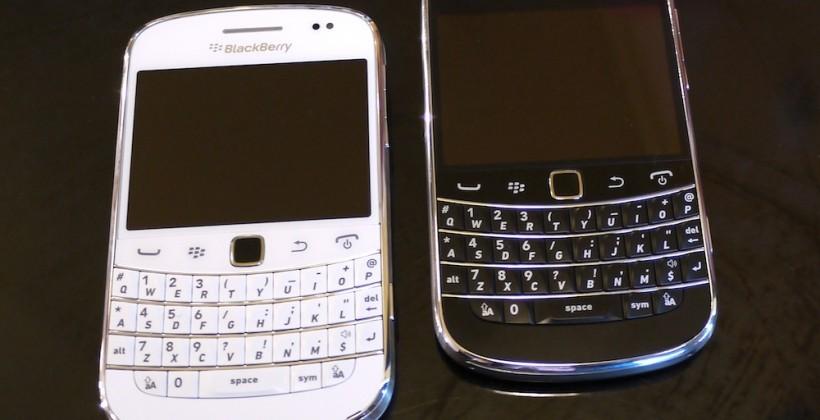 White BlackBerry Bold 9900 revealed: We go hands-on