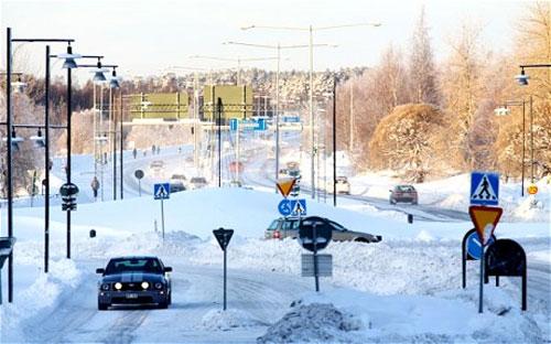 Facebook to install giant server farm near Arctic Circle