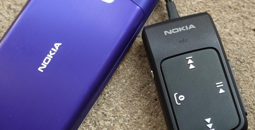 Nokia 700 hands-on [Video]