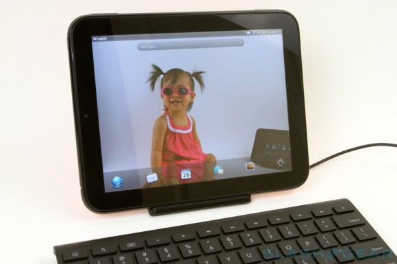 TouchPad gets webOS 3.0.4 as backorder slates ship