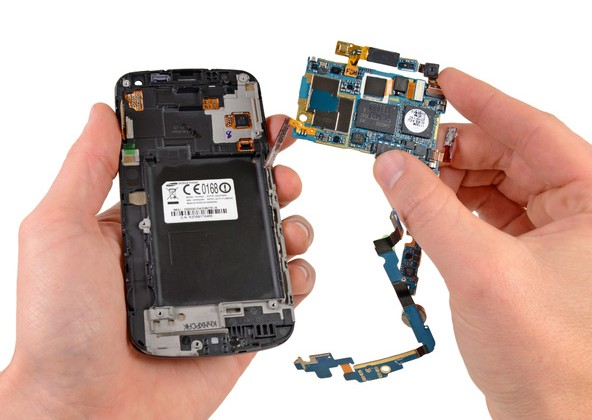 Samsung Galaxy Nexus Teardown reveals glass and display fused, low soldering