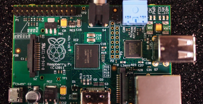 Raspberry Pi $25 USD computer coming in January