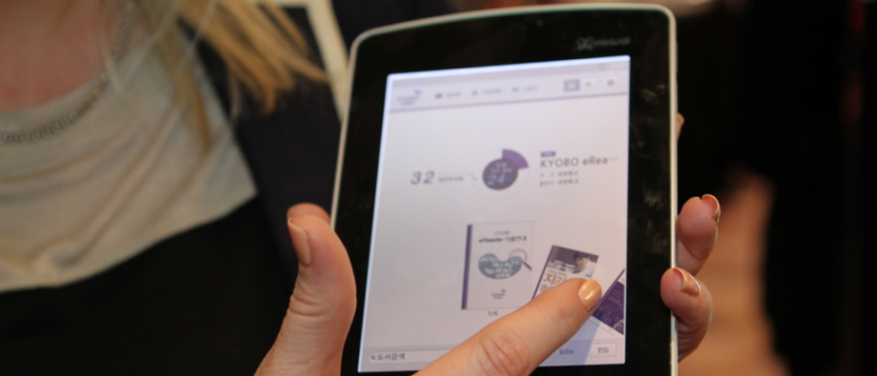 Kyobo Mirasol eReader with Android hands-on