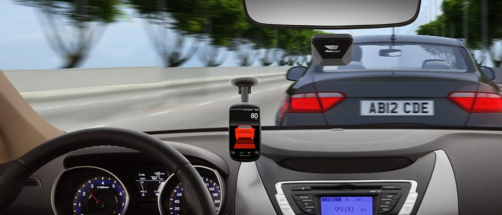 "Mobileye 5-Series ""electronic co-pilot"" uses your phone"