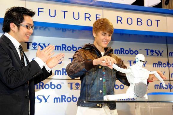 Dancing Bieber-bot a six-figure spectacle