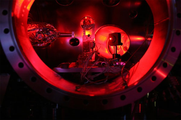 X-ray laser produces temperatures hotter than the sun's corona