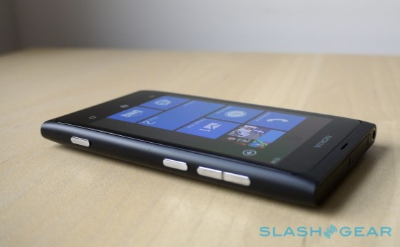 Nokia hints at Windows Phones with NFC sans ports