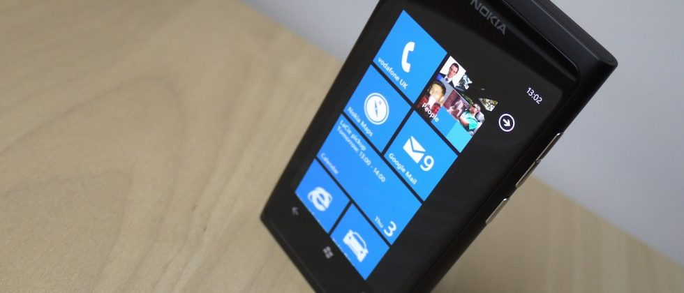 "Nokia sells ""well over"" 1m Windows Phones, still makes €1bn loss"