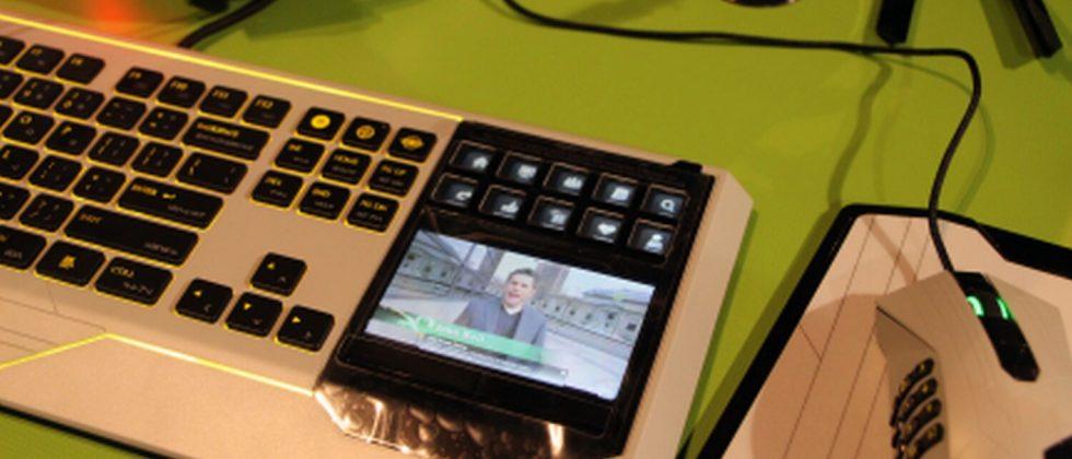 Razer Star Wars: The Old Republic touchscreen keyboard hands