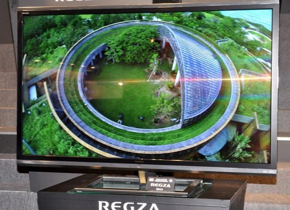 Toshiba 4k2k glasses-free 3D TV hits volume production ahead of Q1 US debut
