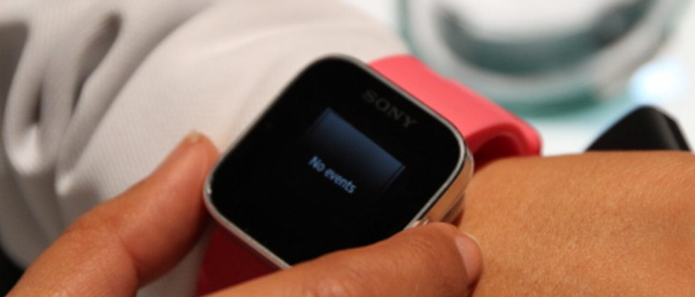 Sony XPERIA SmartWatch hands-on