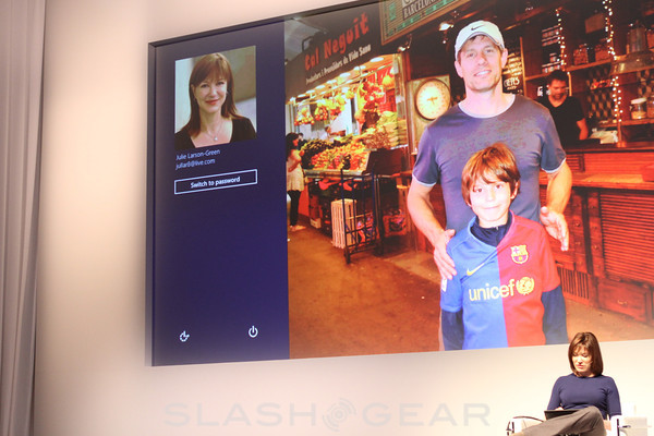 Windows 8 Consumer Preview displayed as tablet-friendly