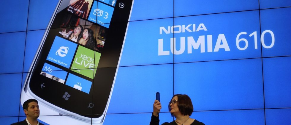 Nokia Lumia 610 official