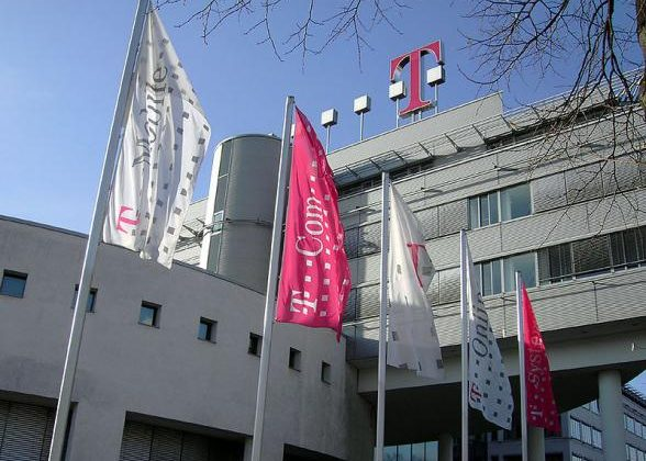 T-Mobile USA LTE in 2013 as iPhone pumps churn