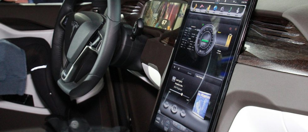 "Tesla Model X: Forget ""falcon-wings"", the touchscreen dash is geek cred enough"