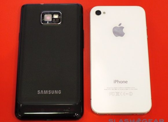 Samsung squashes iPhone in MWC awards