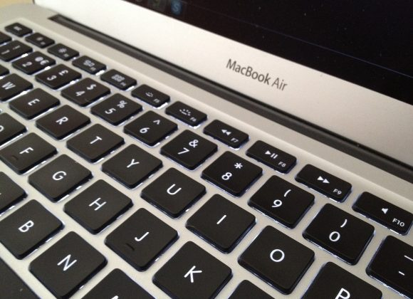 15-inch MacBook Air coming April says source