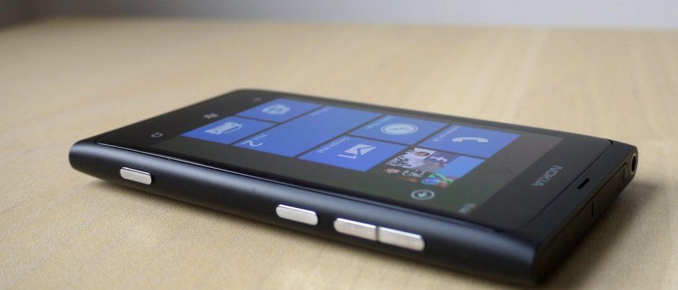 Nokia Lumia 800 battery fix firmware released