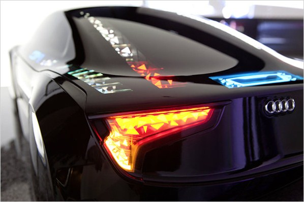 "Audi Visions OLED ""living lighting"" demonstrated"
