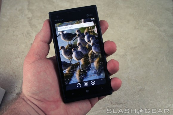 IHS reveals Lumia 900's iPhone roots