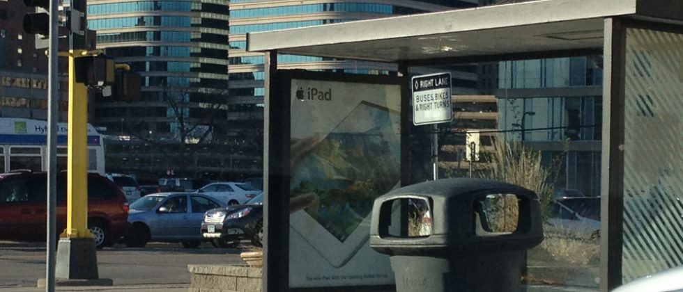 Apple Retina iPad advertisements finally cover the United States