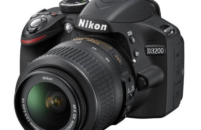 Nikon D3200 targets DSLR newcomers with smartphone control