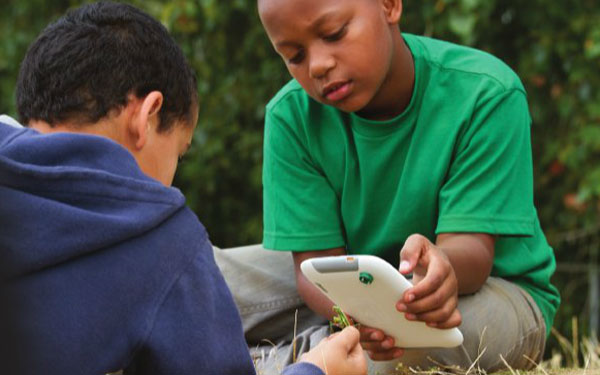 Intel shows off Studybook tablet for education