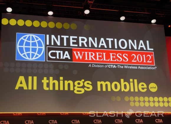 """FCC CEO touts """"the fastest growing technology in history"""""""