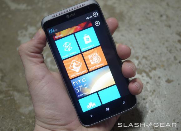 Microsoft: Windows Phone legacy users update, or else